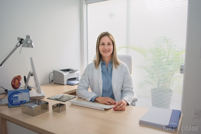 Dra. Letícia Menegon Mello
